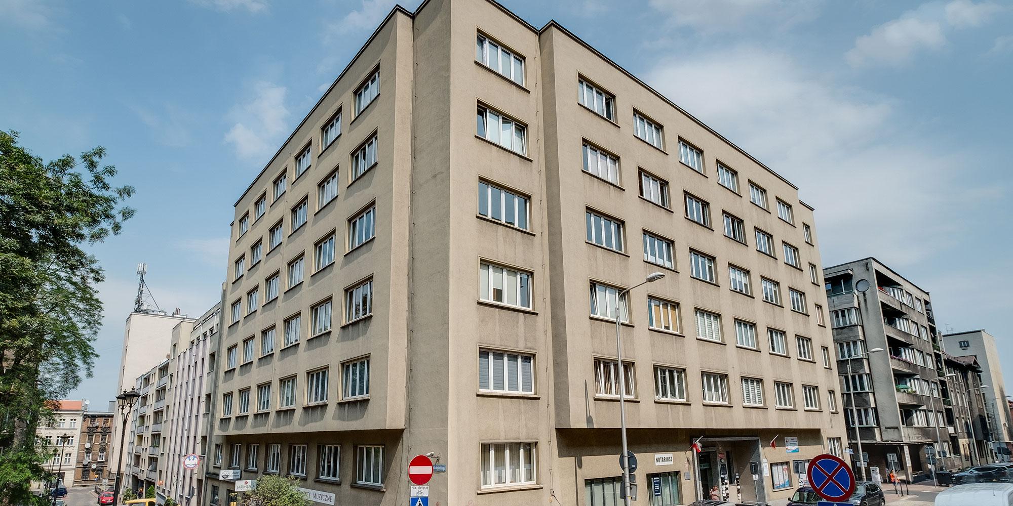Dąbrowskiego 22